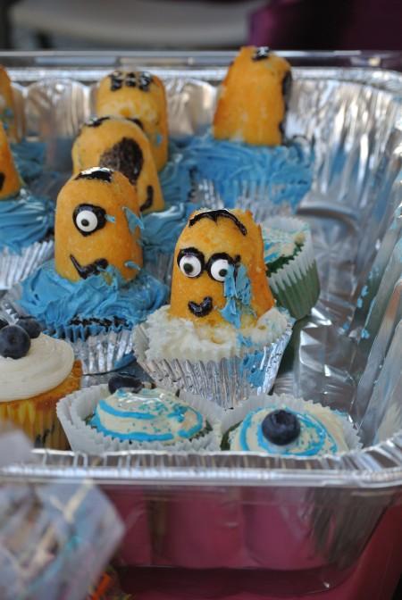 Blueberry twinkie cupcakes